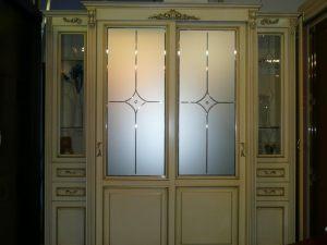 Классический шкаф купе массив с фацетными зеркалами и гравировкой Азов